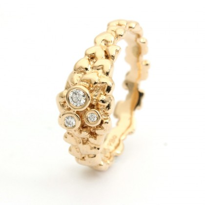Hearts Gold  0.08 CTW Ring