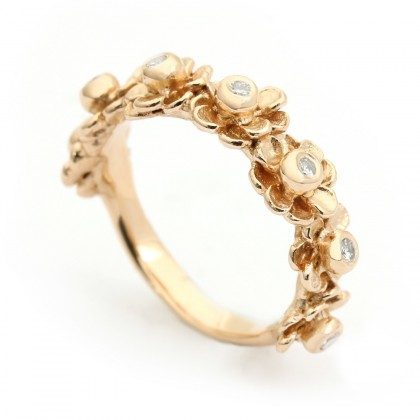 Happy Flower Gold 0.14 CTW Ring