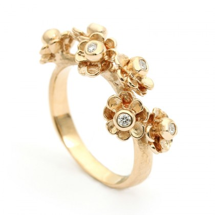 Happy Flower Gold 0.12 CTW Ring